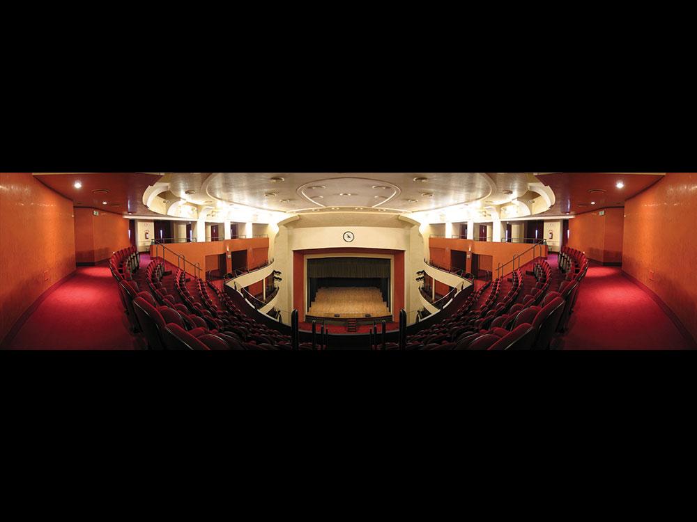 Vista del palcoscenico dal loggione